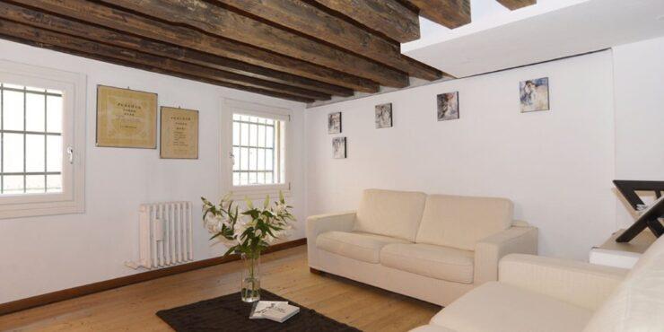 Dorsoduro San Barnaba appartamento 1° piano ammezzato