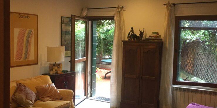 Castello grazioso appartamento con giardino privato