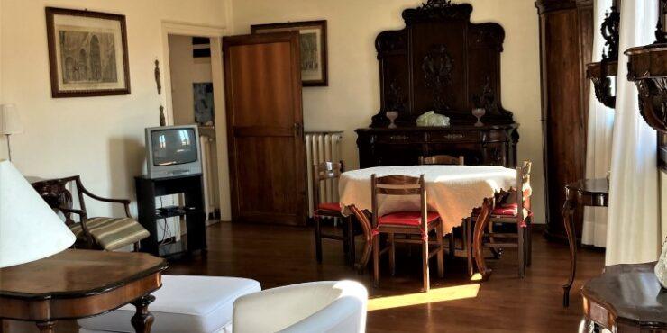 Dorsoduro San Vio elegante attico veneziano